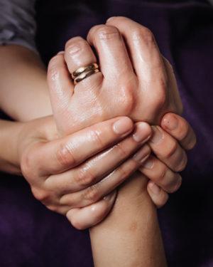 ayurvedisk massage händer