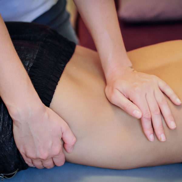 osteopatic treatment for less pain in back